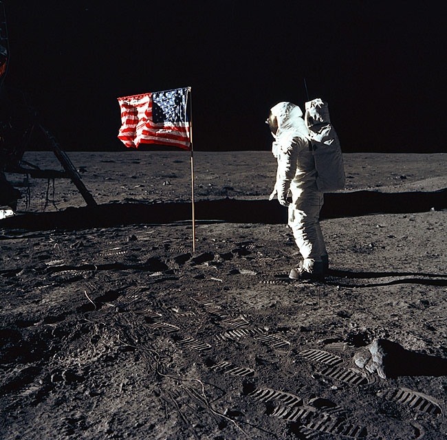 La bandera yanqui flameando